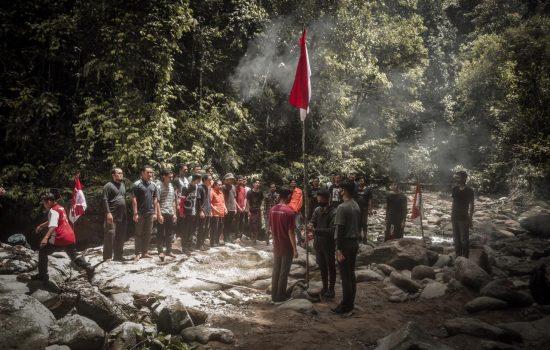 Pemuda Aceh Barat Peringati HUT RI Ke-75 di Tengah Hutan