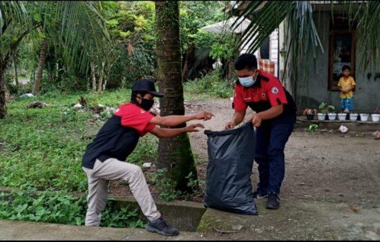 Diet Plastik Jadi Aksi Kutip Sampah di Aceh Barat