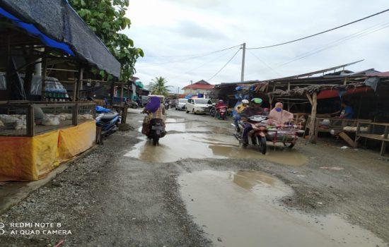 Jalan TPI Pasar Pagi Kota Meulaboh Sudah Rusak Kembali