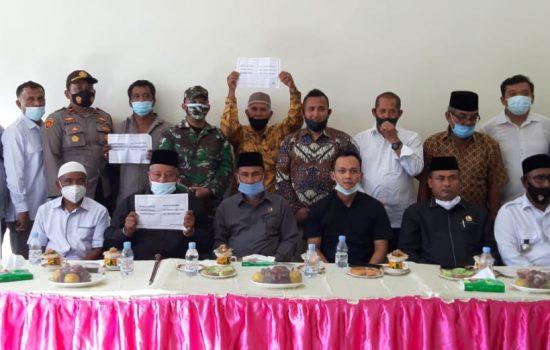 Didepan Pemkab Nagan Raya PLTU dan Mifa Bersaudara serahkan Ganti Rugi Tanah ke Warga Suak Puntong 13 Milyar lebih