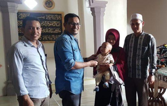 JPA Serahkan Bantuan untuk Pasien Bayi Bocor Jantung