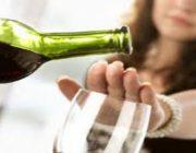 Bahaya Minum Minuman Beralkohol Sebelum dan Sesudah Di Vaksin Covid-19