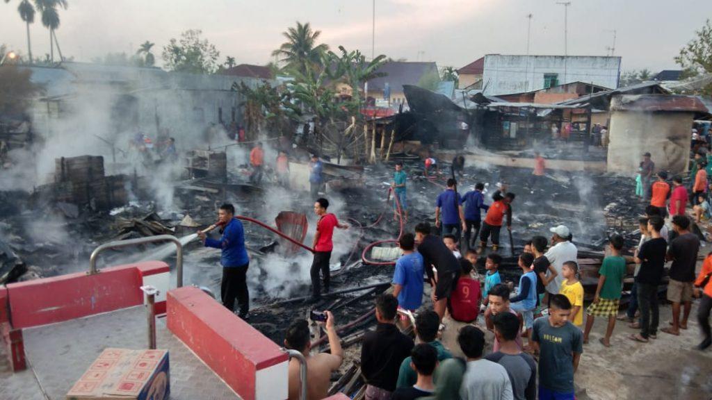 Kebakaran Hebat Sembilan Rumah Hangus di Langsa
